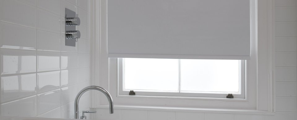 Made to measure blinds contemporary blinds at affordable for Blinds bathroom window